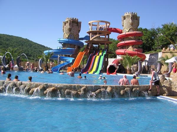 Болгарія - готель з аквапарком!
