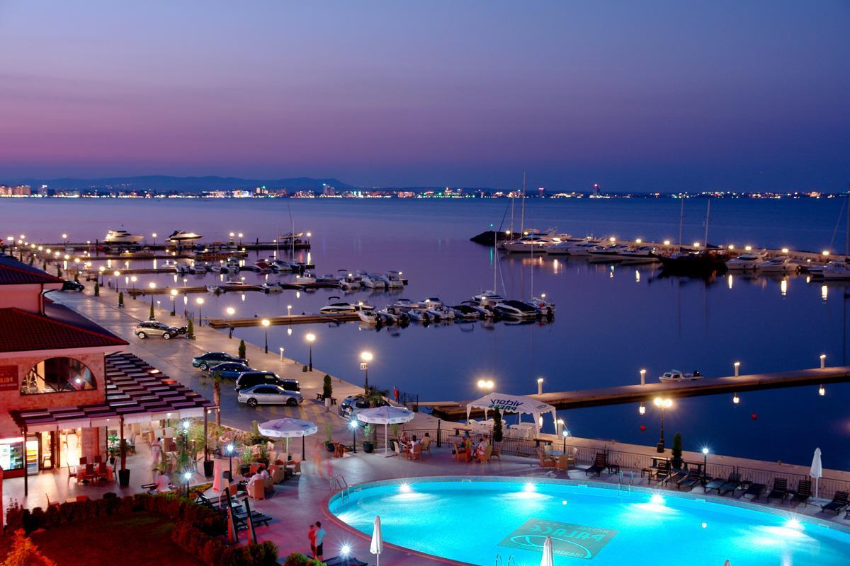 Пятизвездочный отель в Болгарии с причалами для яхт