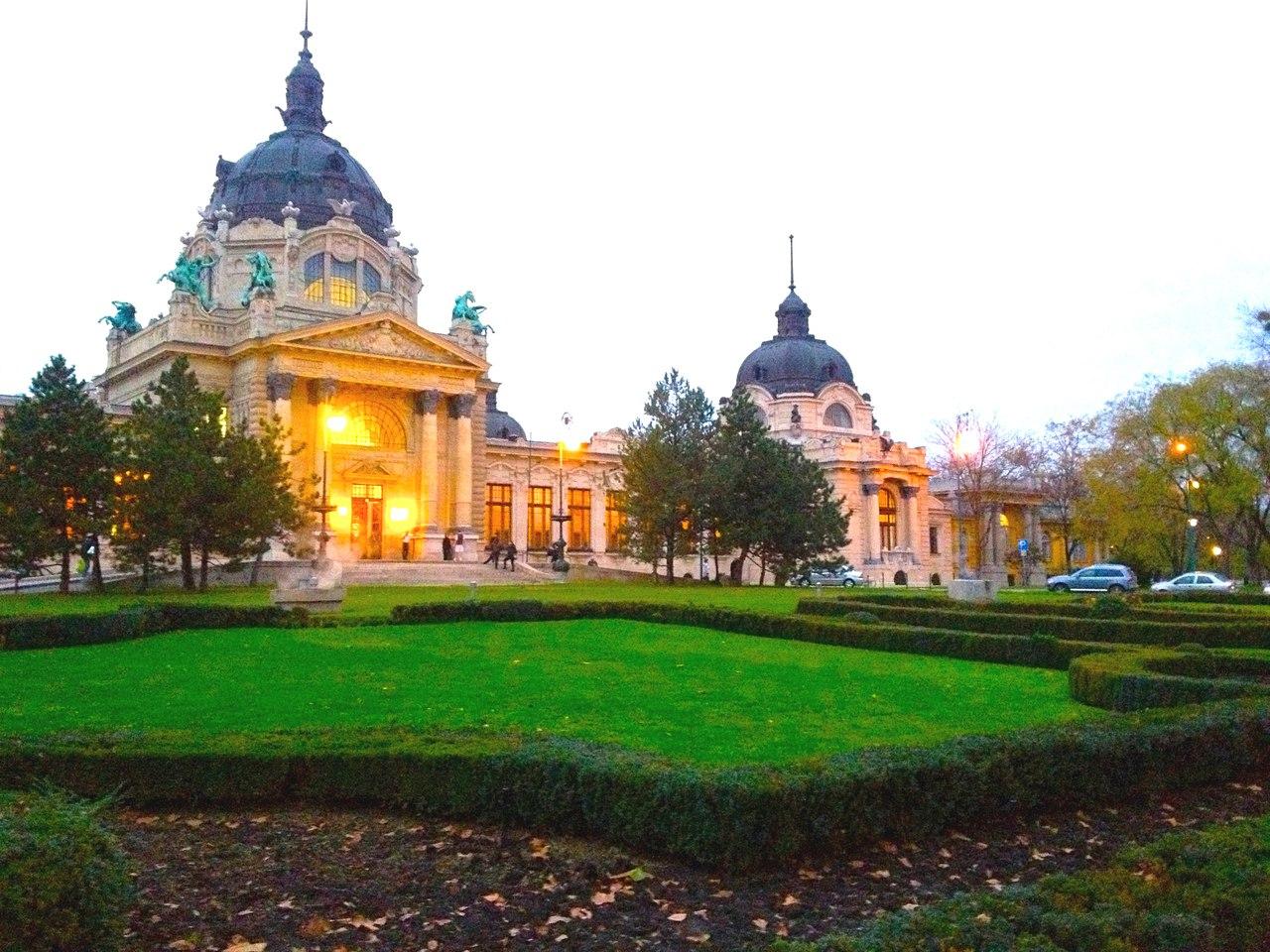 Проведіть свій вікенд у Будапешті та Відні!