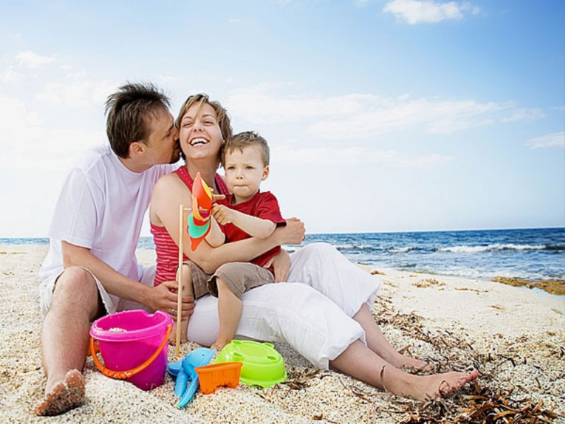Семейное на пляже 21 фотография