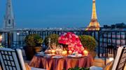 Париж! Місто кохання чекає тебе!