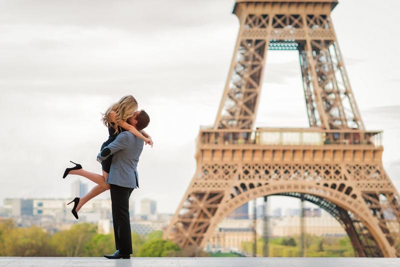 влюбленные в париже фото