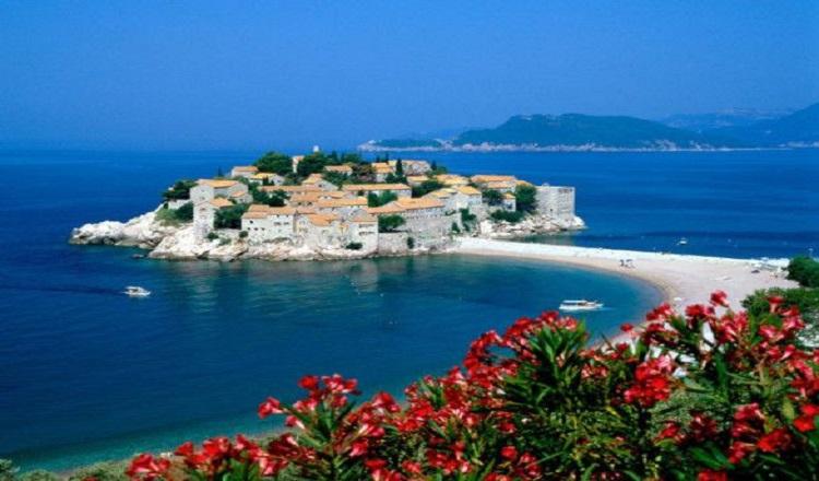 Продовжіть своє літо у Чорногорії
