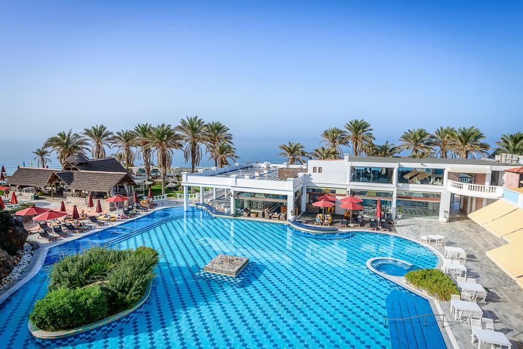 Гостиницу в Ираклион на побережье недорого