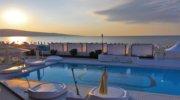 Болгария - страна, которая очаровывает природными богатствами, теплым климатом и прохладой от Черного моря