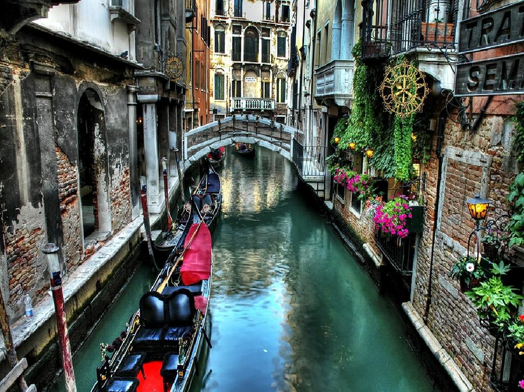 Уникальное итальянское город на воде в туре \