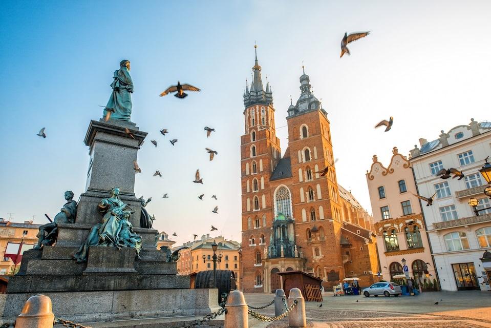 Поехали на майские за покупками в Краков? Легко!
