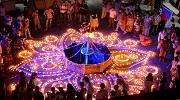 Барвисте свято вогнів Дівалі в Індії