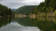 Горное озеро Лакул Рошу
