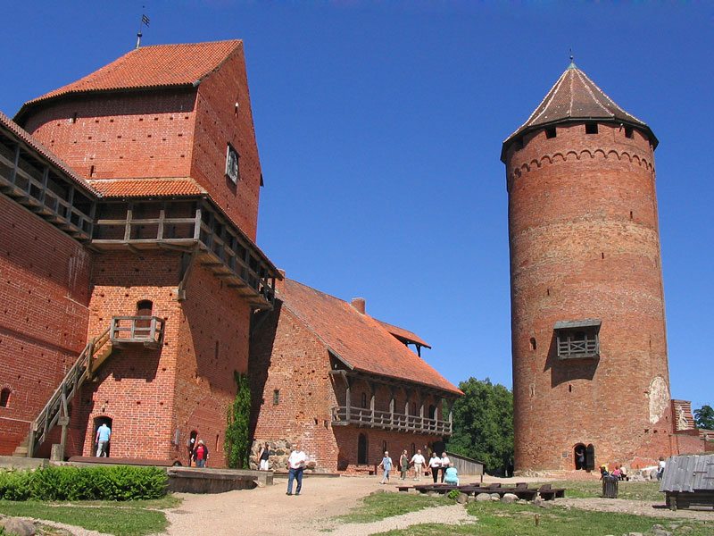 Картинки по запросу город сигулда латвия турайдский замок